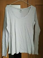 LEVIS WOMENS GREY TOP SIZE 10 MEDIUM LONG SLEEVE PIT TO PIT 17 INCH