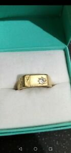 Mens 18ct Solid Gold Diamond 0.20 Ring  750 18ct size M, weight 5.3 Grams