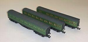 Rake of 3 Graham Farish N Gauge Mainline Carriages in SR Lined Green
