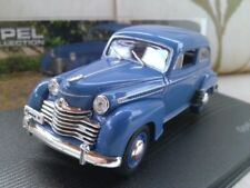Véhicules miniatures bleus IXO pour Opel