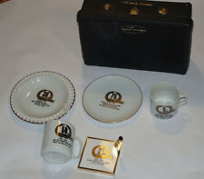 VINTAGE 1970s SALESMAN SAMPLE  PROMOTIONAL PRODUCTS! CUPS! PLATES ++! WITH CASE!
