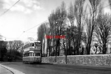 PHOTO  1960 GLASGOW TRAM NO 1171 A 'CORONATION' CAR AT BURNSIDE IN 1960 SOME PAR