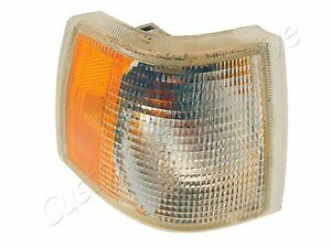 94-97 VOLVO 850 RH CORNER LIGHT passenger right turn signal park marker lamp