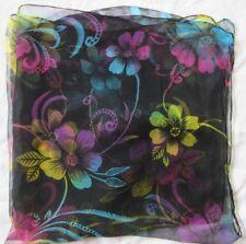Joli Foulard vintage en en mousseline de soie  90 cm x 98 cm /