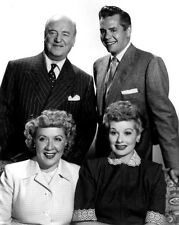 """I LOVE LUCY"" CAST FROM THE CBS TELEVISION SITCOM  8X10 PUBLICITY PHOTO (BB-164)"