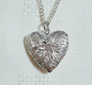 Women's Ladies Silver Heart Love Photo Locket Necklace Pendant Love Forever Uk