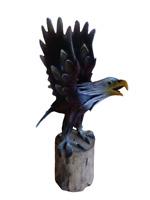 Statuetta figura AQUILA in PASTA DI LEGNO e LEGNO modellata e dipinta a mano