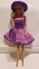 Puppenkleidung.passend für Barbiepuppe,Kleid, Tasche + Hut Handarbeit 6317