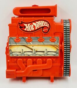 Vintage 1983 HOT WHEELS Mattel Engine 18 Car Carrying Case With 14 Cars Included