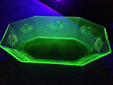 "Vintage GREEN VASELINE URANIUM GLASS Large Oval Octagon Shaped Bowl 13.5"" X 7.5"""