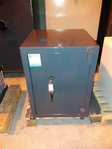 Surface mounted SMP Economy Safe size 2316 with key lock (£3,000K) capsule drop
