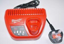 Milwaukee M12 C12C 12 V Li-Ion Cargador para baterías 2amp, 4amp y 6amp 12 V