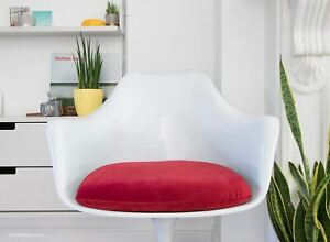 Tulip Style Dining Arm Chair - designed by Eero Saarinen