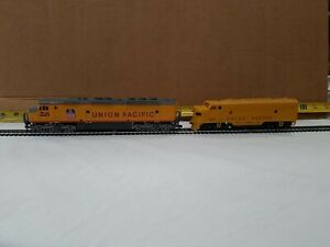 2 HO Scale Diesel Locomotives Union Pacific Good Condition No Boxes Dummy's