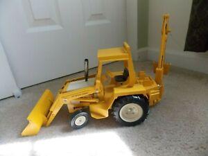Vintage International #472 Yellow Ertl Harvester Loader Backhoe Scoop Tractor