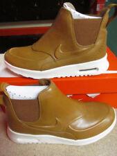 Zapatillas deportivas de mujer Nike color principal marrón
