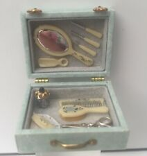 WOW! TINY LITTLE VANITY CASE DISPLAY BEDROOM SHOP DOLLS HOUSE DOLLHOUSE