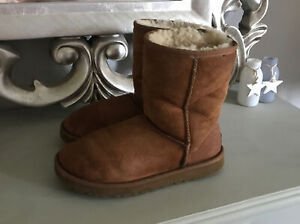 Ugg Australia Women's Chestnut Tan Suede Boots Classic Short UK 4.5 EU 37