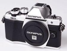 Olympus OM-D e-m10 em10 Mark II Argent Boîtier Body revendeur pièce unique