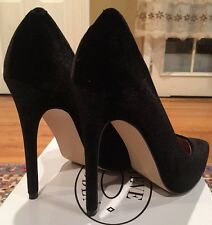 STEVE MADDEN WICKET BLACK VELVET PUMPS SIZE 10