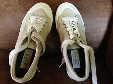 Women DECK BOAT Tennis Shoes 6M Canvas Fabric Uppers Excellent Condition