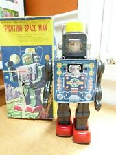 Vintage battery operated Fighting Space Man with box Made in Japan tin toy