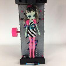 Monster High Frankie Stein's Mirror Bed & Frankie Stein Doll
