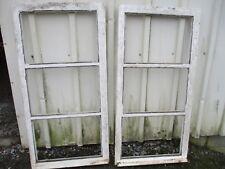 2 battants de fenêtres ancienne en bois.