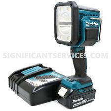 New Makita DML812 LXT 1250 Lumens L.E.D. Spotlight Flashlight 5.0 Ah Battery Kit