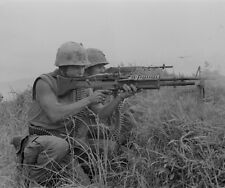 "Marine Machine Gunner and a Rifleman at work 8""x10"" Vietnam War Photo Picture 83"