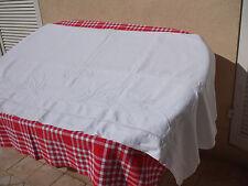 Superbe drap ancien brodé entièrement à la main par une grand-mère berrychonne