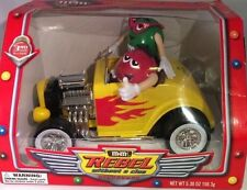 M&M'S RED & GREEN REBEL WITHOUT A CLUE CANDY DISP YELLOW ROADSTER 2003 Original