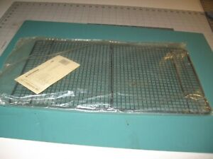 """Pampered Chef  Cooling Rack 1580- 10' x 18"""""""