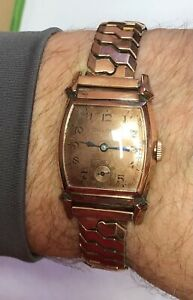 Vintage 1943 Bulova Rose Gold Filled Watch 10BS 15J Runs/stops Speidel Band