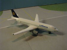 HERPA WINGS LUFTHANSA SP. EDITION A320-200 1:500 SCALE DIECAST METAL MODEL