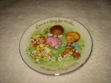 Vtg 1983 Avon Mother'S Day Plate 22K Gold /Easel Love Is A Song For Mother Plate
