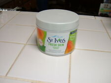 ST. IVES FRESH SKIN - APRICOT SCRUB 10 OZ 100% NATURAL DEEP EXFOLIATION