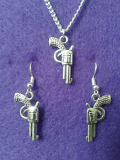 Gun Earrings and Necklace Set * Novelty Charms Pistol Cowboy Cowgirl