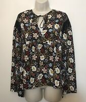 BCBG  XS Blouse Black & White Floral Long Flare Sleeve Peasant Top