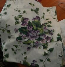 Waverly Sweet Violets curtain panel 40 in. x 82 in EUC