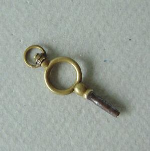ancienne clé remontoir pour montre à gousset XIXème winder key for pocket watch
