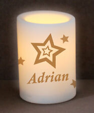 LED Blockkerze mit Wunschname und Sternen, batteriebetrieben, weiß 10 cm