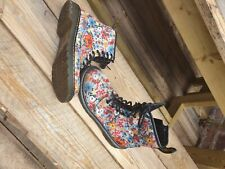 Gorgeous flowery Dr. martens size 4 older girls/womens. very good condition.
