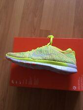 NUOVO con scatola da Donna Nike Free TR Flyknit Running Sneaker UK 7.5 Giallo Multi Colore