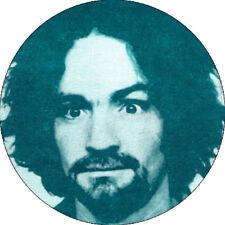 CHAPA/BADGE CHARLES MANSON . pin button psycho killer ed gein helter skelter