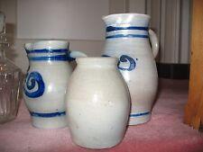 ensemble de trois pots/cruches