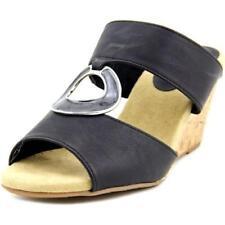 Sandalias y chanclas de mujer Easy Street de tacón medio (2,5-7,5 cm) de color principal negro