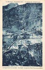 Le Barrage Parement aval - La Benne du téléphérique transportant le courrier