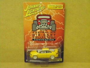 1:64 2004 PONTIAC GTO (DEVIL YELLOW) WHITE LIGHTNING 2006 CONVEN Johnny Lightnin