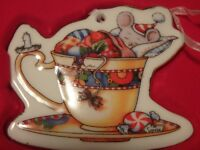 MARY ENGELBREIT CHRISTMAS FLAT BOXED ORNAMENT MOUSE & TEA in TEA CUP NIB  2004
